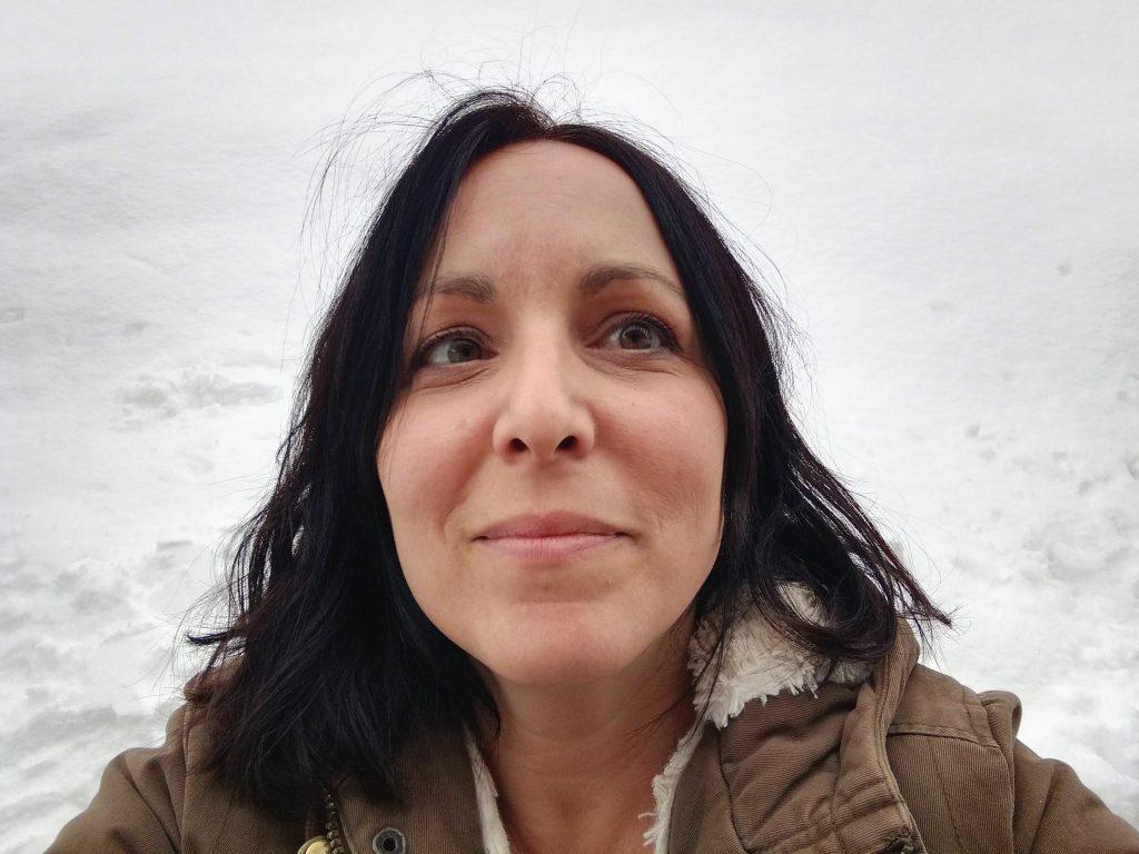 Francesca Manna autoportrait avec la neige