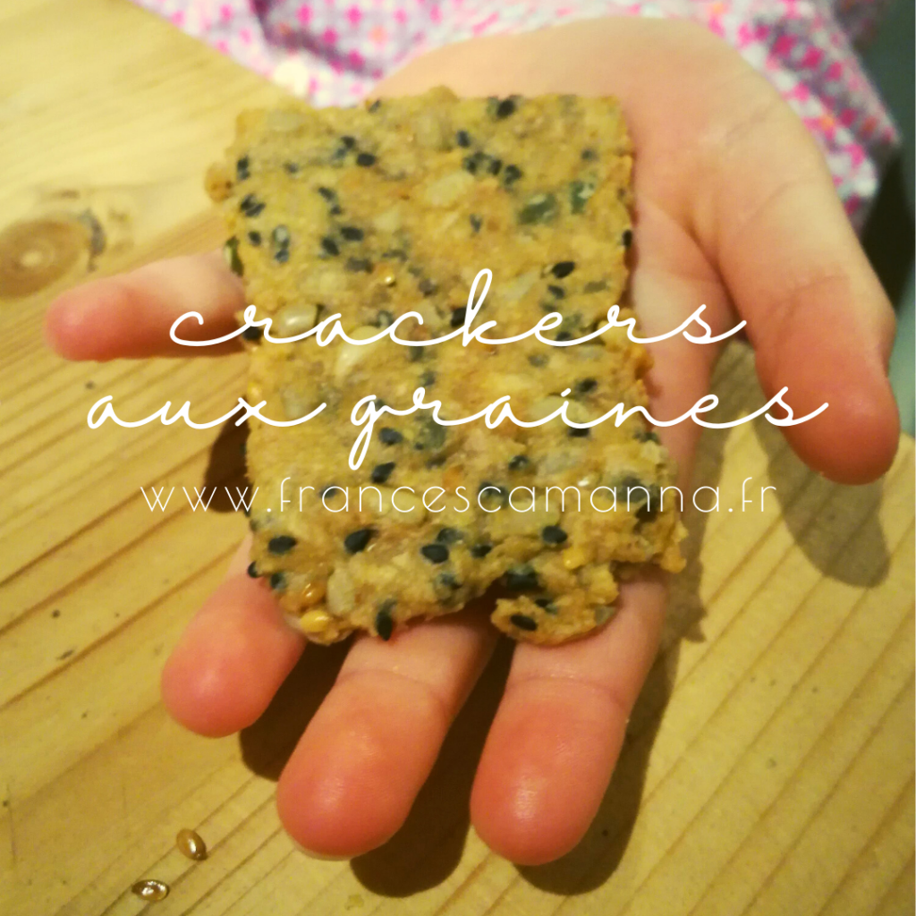 petites mains gourmandes de crackers aux graines et au miso